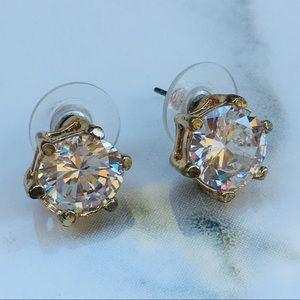 Vintage crystal stud earrings 6 ct total